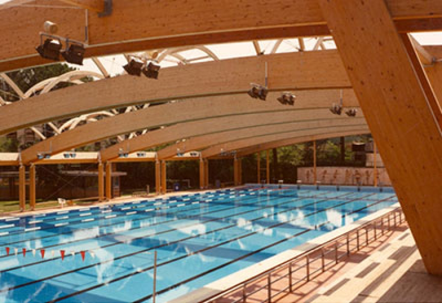 Swimming pool roofing system